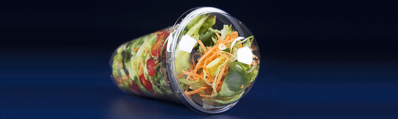 Saladas prontas são práticas, mas não dispensam cuidados no consumo